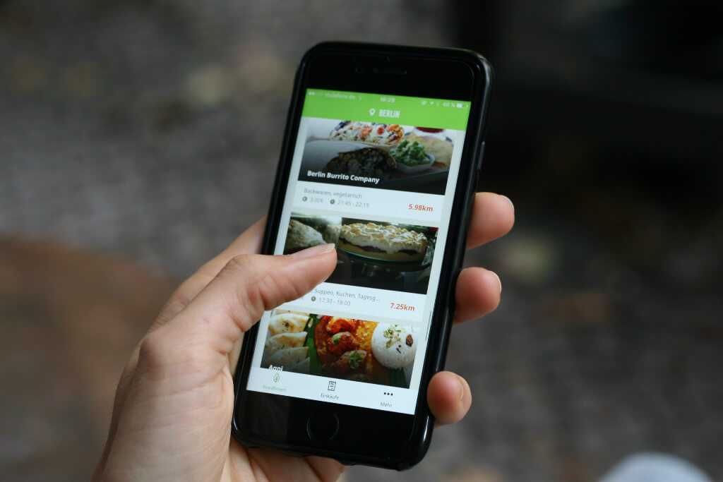 Mealsaver - App on phone | GreenMe Berlin Podcast