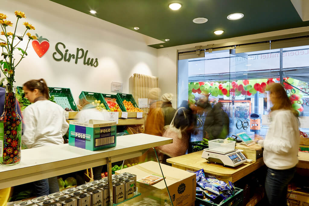 SirPlus Store, customers, copyright Mandy Seidel | GreenMe Podcast Ep 17